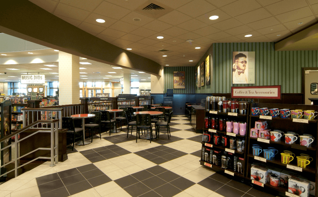 Barnes&Noble_LakeGrove_Interior