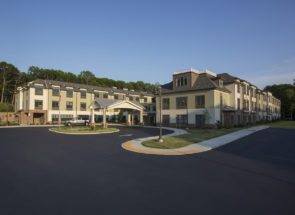 Benchmark Senior Living – Smithtown
